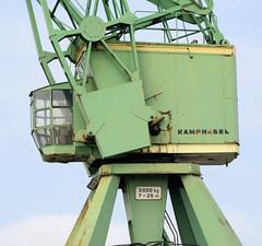 Hafenkran der Fa. Kampnagel am Ufer vom Reiherstieg in Hamburg Steinwerder.