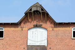Fotos aus dem Hamburger Stadtteil Kleiner Grasbrook, Bezirk Mitte; Dachwinde am Lagerhaus G beim Dessauer Ufer im Saale-Hafen.