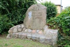 Ueckermünde ist ein Seebad am Stettiner Haff im Landkreis Vorpommern-Greifswald in Mecklenburg-Vorpommern.Denkmal für den von den Nazis 1944 im KZ Buchenwald hingerichteten Vorsitzenden der Kommunistischen Partei Deutschlands Ernst Thälmann.