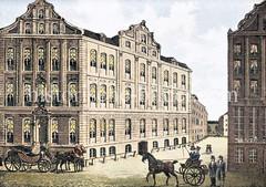 Das Krameramtshaus bei der Gr. Johannisstraße war das Amtshaus der Seidenkrämer, Krautkrämer (Gewürz / Farbenkrämer), Eisenkrämer und Kuchenbäcker. In dem Gebäude befand sich das Amts-Archiv und ein Gasthof (ca. 1830).