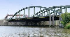 Fotos aus dem Hamburger Stadtteil Kleiner Grasbrook, Bezirk Mitte; Brücke über den Veddelkanal, Klütjenfelder Straße.