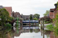 Drehbrücke über die Este bei Estebrügge. Seit dem Mittelalter war die Brücke bei Estebrügge die einzige Querungsmöglichkeit im Unterlauf der Este. Ursprünglich als Holländer-Zugbrücke ausgeführt, verbindet die heutige Drehbrücke die Jorker Ortsteile