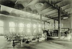 Historische Ansicht vom Maschinenraum im Kesselhaus der Hamburger Speicherstadt.