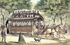 Pferdebahn von Hamburg nach Wandsbek, eröffnet 1866. Die von einem Pferdegespann gezogenen Waggons fuhren auf Schienen - ab 1882 wurden die Wagen von Lokomotiven gezogen und ab 1893 elektrisch betrieben.