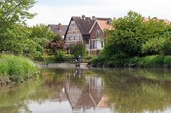 Wohnhäuser am Ufer der Este.