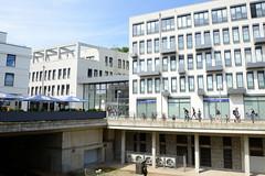 Bilder vom Bahnhof  im Hamburger Stadtteil Blankenese; Neubauten auf dem Gelände des ehem. Güterbahnhofs.