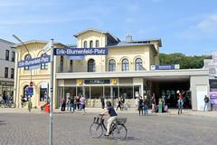 Bilder vom Bahnhof  im Hamburger Stadtteil Blankenese. Das Bahnhofsgebäude wurde 1867 errichtet und 2007 restauriert.