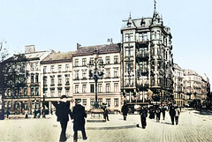 Historische Ansicht aus Hamburg St. Georg; Passanten und Kandelaber auf dem Lindenplatz - re. die Straße Beim Strohause, ca. 1905.