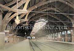 Innenansicht, Bahnsteig des Berliner Bahnhofs in Hamburg Hammerbrook am Deichtorplatz zwischen der Banksstraße und Amsinckstraße; fertiggestellt 1857, stillgelegt 1903 mit Eröffnung des Hamburger Hauptbahnhofs.